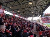 Bundesliga fodboldrejse: Union Berlin - SV Sandhausen. Union Berlin langside fans.