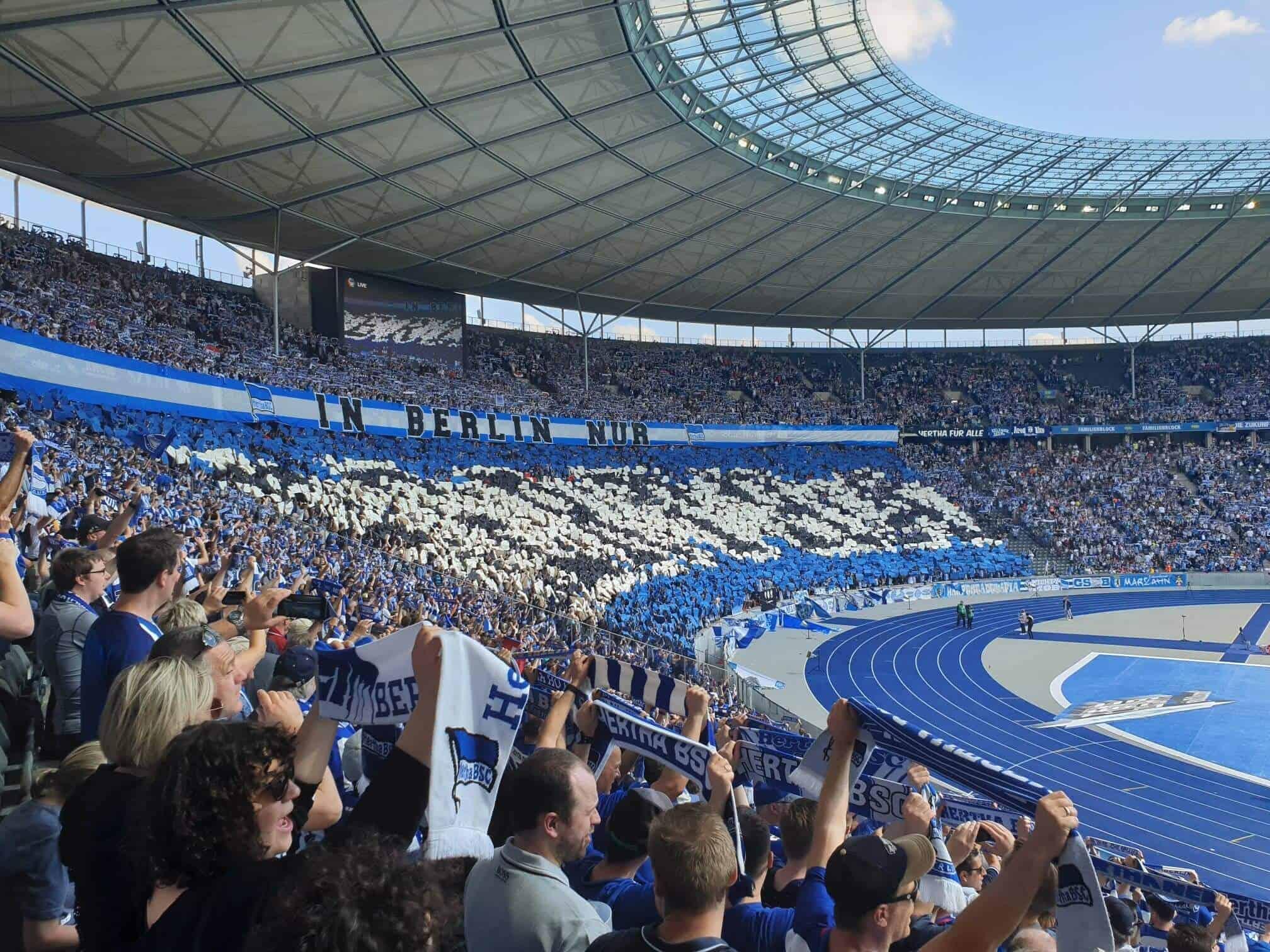 Bundesliga fodboldrejse: Hertha Berlin - Dortmund. Hertha fans,