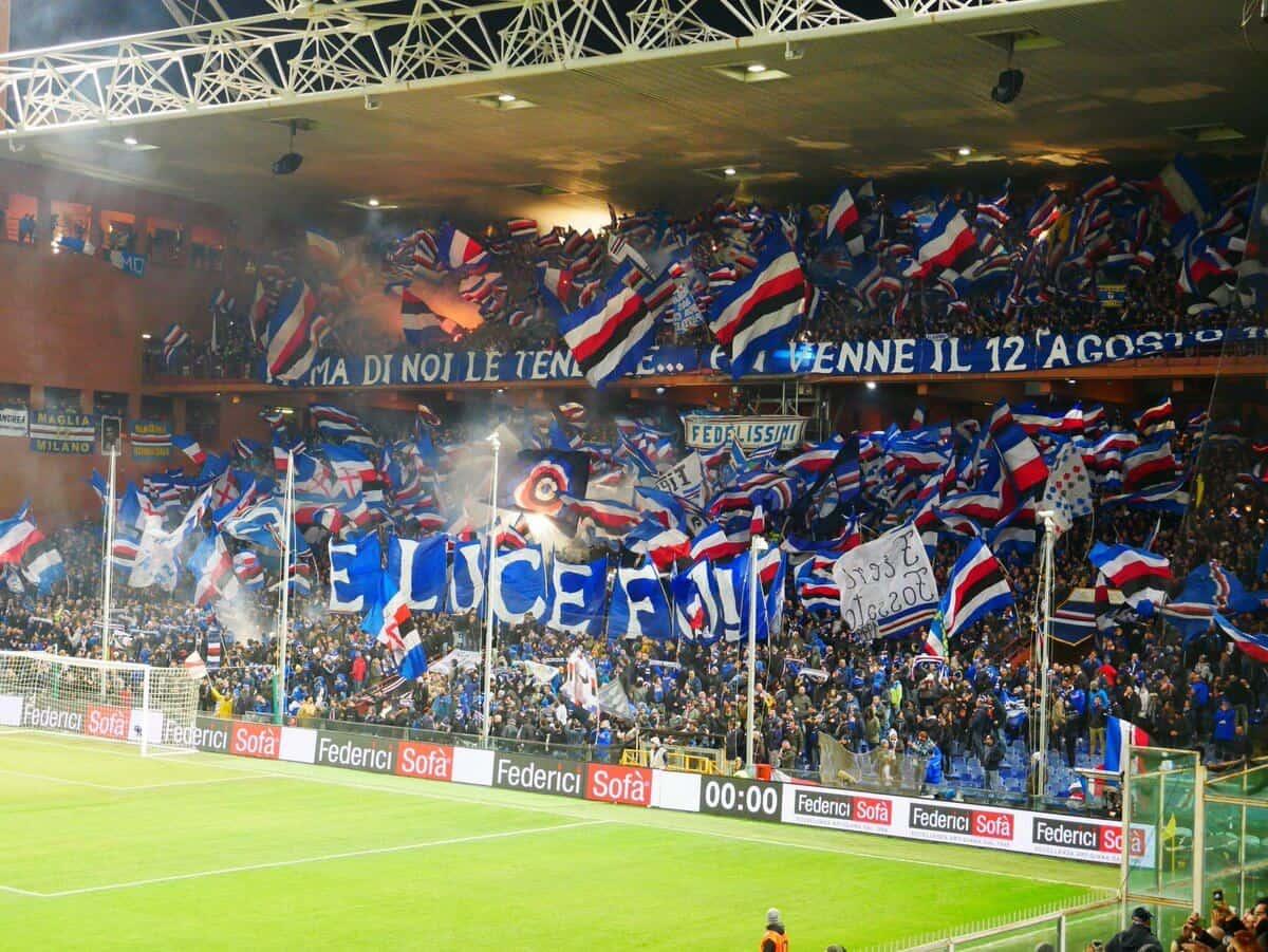 Derby della Lanterna. Sampdoria fans.