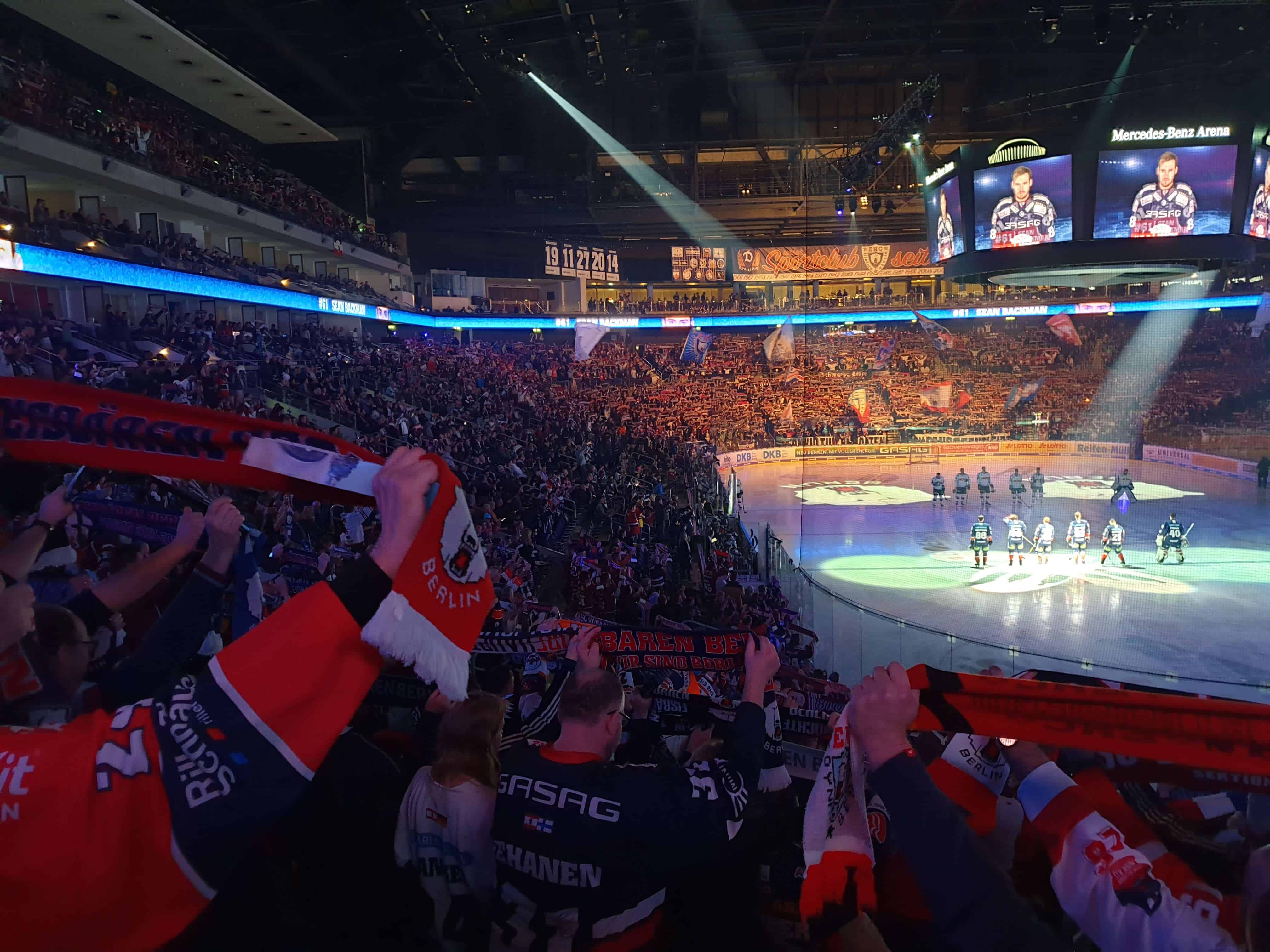 Fodboldoplevelse inkl. ishockey i Berlin