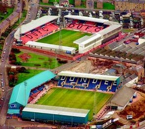 De to Dundee stadions side om side