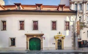 Fodbold i Prag: Hotel Élite Facade