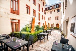 Fodbold i Prag: Hotel Élite Gårdhave